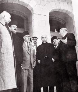 الرئيس مردم بك مع الملك عبد الله والرئيس رياض الصلح سنة 1948.