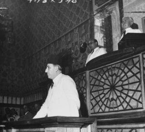 الرئيس القوتلي يلقي خطاب القسم سنة 1943