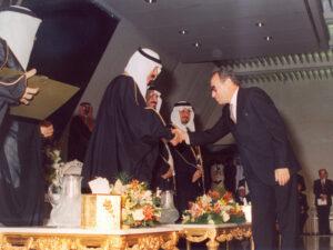 الدكتور الفحام يتسلّم جائزة الملك فيصل