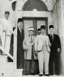 الرئيس العابد مع رئيس الحكومة تاج الدين الحسني
