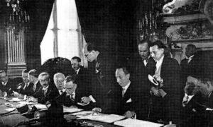 توقيع معاهدة عام 1936.