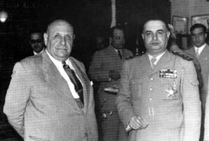 حسني الزعيم وبشارة الخوري بعد تسليم أنطون سعادة إلى لبنان.