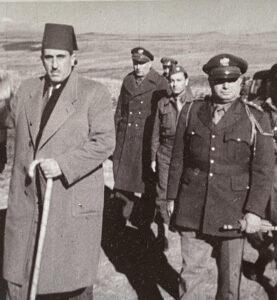 حسني الزعيم مع الرئيس شكري القوتلي سنة 1948 (المصدر: حركة البناء الوطني)