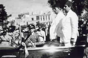 أحمد الشرباتي وزيراً للدفاع مع الرئيس شكري القوتلي سنة 1948.