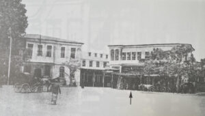 مدخل مسرح زهرة دمشق.