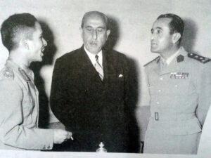 اللواء شقير مع الرئيس شكري القوتلي والملك حسين في عام 1956.