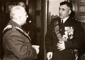 أديب الشيشكلي مع اللواء فوزي سلو سنة 1952.