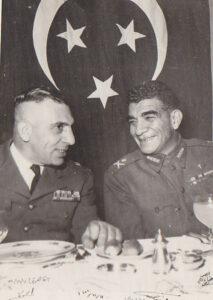 الرئيس الشيشكلي مع الرئيس محمد نجيب سنة 1952.